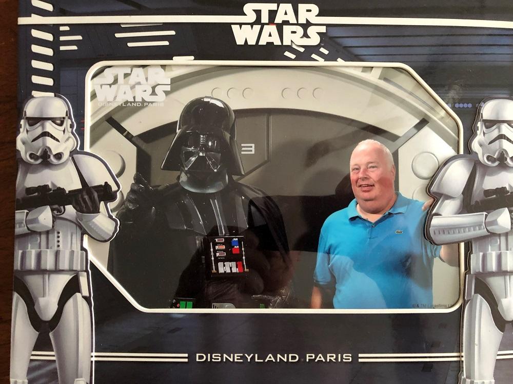 Tonny in Disneyland